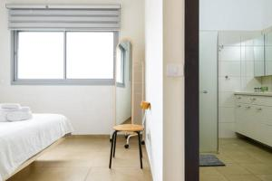 Kfar Saba Center Apartment, Апартаменты  Кфар-Сава - big - 43