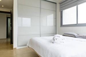 Kfar Saba Center Apartment, Апартаменты  Кфар-Сава - big - 44