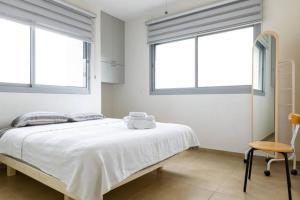 Kfar Saba Center Apartment, Апартаменты  Кфар-Сава - big - 45
