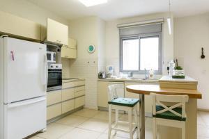 Kfar Saba Center Apartment, Appartamenti  Kefar Sava - big - 47
