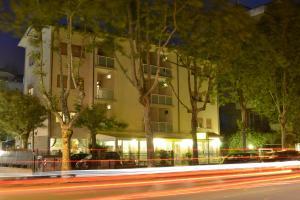 Hotel Annamaria, Szállodák  Cesenatico - big - 1