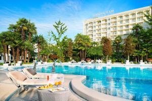 Prenota Grand Hotel Trieste & Victoria