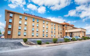 Barrington Hotel and Suites