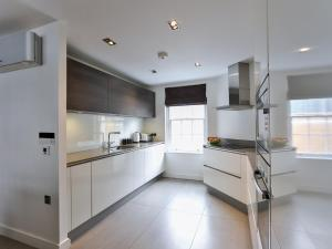 Large Modern Apartment in Baker Street, London, Apartmány  Londýn - big - 9