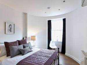 Large Modern Apartment in Baker Street, London, Apartmány  Londýn - big - 21