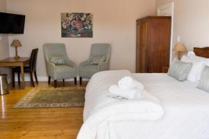Deluxe Double or Twin Room 1