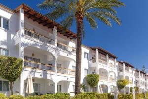 Alcudia Garden Aparthotel, Apartmanhotelek  Port d'Alcudia - big - 33