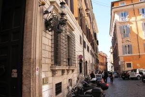 Di Rienzo Suites Trevi, Отели типа «постель и завтрак»  Рим - big - 9