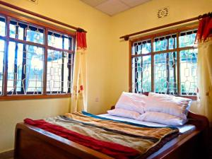 Mazzola Safari House & Backpacking, Penziony  Arusha - big - 2