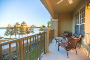 Cayview Avenue | 1009-Four Bedroom Lake Apartment