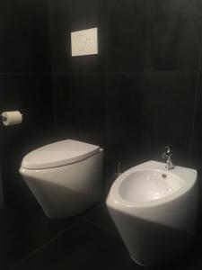 Di Rienzo Suites Trevi, Отели типа «постель и завтрак»  Рим - big - 11