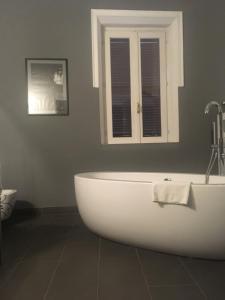 Di Rienzo Suites Trevi, Отели типа «постель и завтрак»  Рим - big - 18