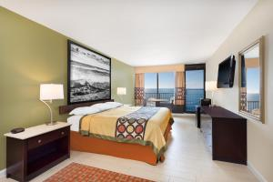 Superior King Room - Non-Smoking - Oceanfront