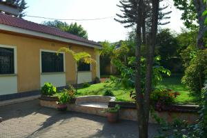 Mazzola Safari House & Backpacking, Penziony  Arusha - big - 16