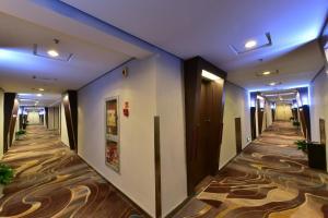 Super 8 Hotel Ningbo Zhaohui, Hotely  Ningbo - big - 1