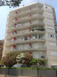 La Zattera Sea Front Apartment - AbcAlberghi.com