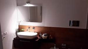 B&B Vicolo dei Sartori, Отели типа «постель и завтрак»  Салерно - big - 8