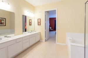 Shoreway Three-Bedroom Apartment 224, Apartmány  Orlando - big - 21