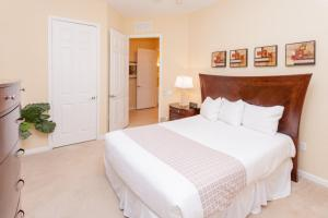 Shoreway Three-Bedroom Apartment 224, Apartmány  Orlando - big - 16