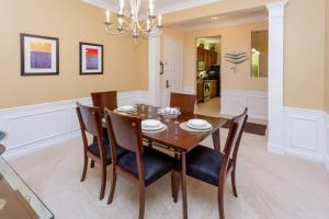 Shoreway Three-Bedroom Apartment 224, Apartmány  Orlando - big - 14