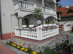 Kristály Apartman, Bed & Breakfast  Hévíz - big - 143