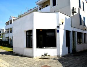 Apartment Sanšped, Апартаменты  Малинска - big - 3