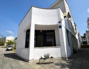 Apartment Sanšped, Апартаменты  Малинска - big - 5