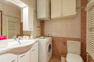 Leona & Borna's Central Lapad Suites, Apartments  Dubrovnik - big - 52