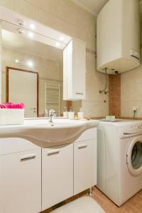 Leona & Borna's Central Lapad Suites, Apartments  Dubrovnik - big - 14