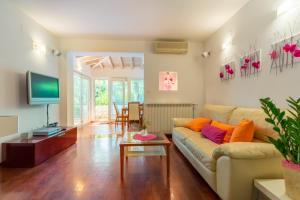 Leona & Borna's Central Lapad Suites, Apartments  Dubrovnik - big - 34