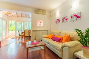 Leona & Borna's Central Lapad Suites, Apartments  Dubrovnik - big - 18