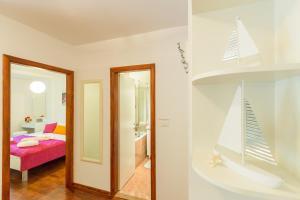 Leona & Borna's Central Lapad Suites, Apartments  Dubrovnik - big - 17