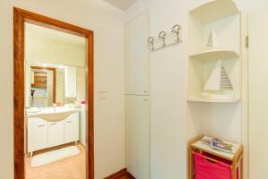 Leona & Borna's Central Lapad Suites, Apartments  Dubrovnik - big - 10