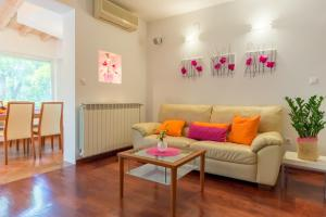 Leona & Borna's Central Lapad Suites, Apartments  Dubrovnik - big - 13