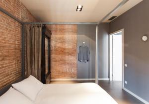 Two-Bedroom Apartment I - Ronda Universitat, 11