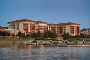 Hilton Dallas-Rockwall Lakefront hotel