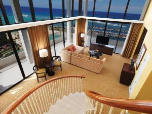 Lagoon Tower Penthouse Suite