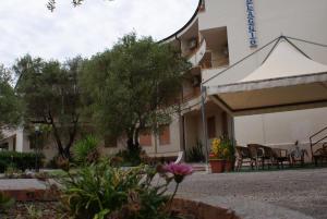 Hotel Residence Il Villaggio - AbcAlberghi.com