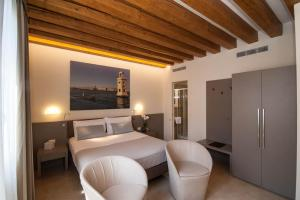 Superior Double Room with Canal View
