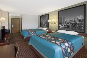 Queen Room with Two Queen Beds - Smoking