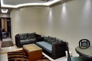 Elsraya Studios and Apartments (Families Only), Apartmanok  Alexandria - big - 17