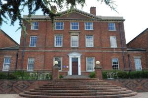 Best Western Plus Stoke-on-Trent Moat House (1 of 41)