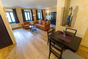 U Zvonu apartments, Ferienwohnungen  Český Krumlov - big - 40