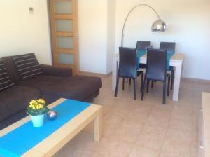 Vivalidays Ana, Apartments  Lloret de Mar - big - 8