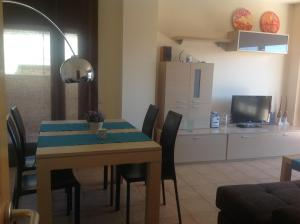 Vivalidays Ana, Apartments  Lloret de Mar - big - 7