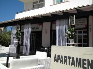 Apartamentos Ibiza, Apartments  Colonia Sant Jordi - big - 29