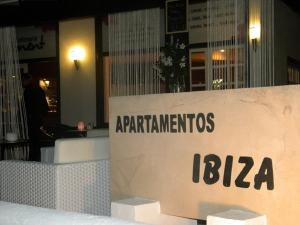 Apartamentos Ibiza, Apartments  Colonia Sant Jordi - big - 14