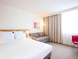 Pokój typu Superior z łóżkiem podwójnym i 2 łóżkami pojedynczymi