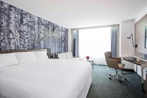 Superior King Room (2 Adults)