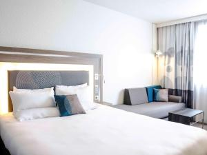 Superior Room with 1 Queensize Bed and Double Sofa bed